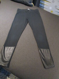 GIRLS ON-TREND BLACK LEGGINGS WITH FAUX LEATHER - FROM BLUEZOO - AGE 7-8