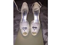 Cream shoes size 6 and matching bag