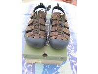 Walking Water Sports Sandals Men's Keen Newport Size UK 7 (NEW)