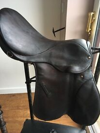 Stubben brown leather saddle 17 inch