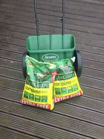 Scotts Miracle-Gro EvenGreen Drop Spreader with 2 x 14kg Evergreen 4 in 1 Complete LawnCare sacks