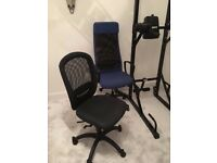 2 x Office chairs for sale in very good condition
