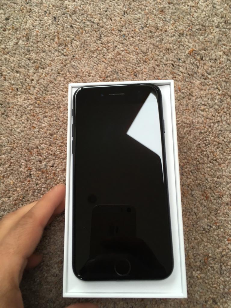 MATT BLACK IPHONE 7 32GB ON EE T-MOBILE ORANGE AND VIRGIN