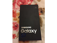 new samsung phon s7 sill in box not opened