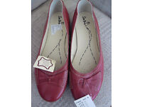 RED LEATHER SHOES size 8 eee fitting BNWT rrp £35 quality soft leather