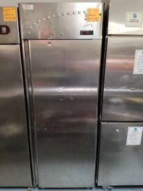 1 DOOR STAINLESS STEEL UPRIGHT FRIDGE (FOSTER) AST077