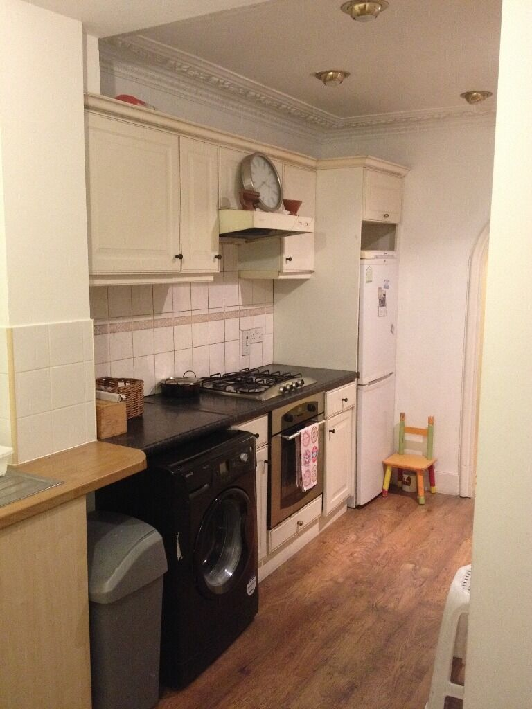 ALL BILLS INCLUDED- 2 BED G/F FLAT TO RENT IN BARKING! GARDEN, DRIVEWAY. CLOSE TO BARKING STATION.