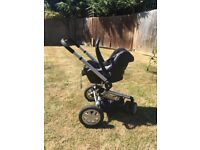 Quinny Buzz Pram with isofix base and accessories