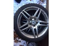 Set of 4 winter tyres on wheels. Size 235/40R18 95V
