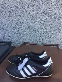 Adidas kaiser 5 football boots hardly worn in excellent condition £14 to clear Ono