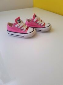 **** Baby converse size 3 only wore twice excellent condition ****
