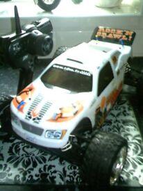 RC CARS X3 WITH TRANSMITERS +GLOW STICK