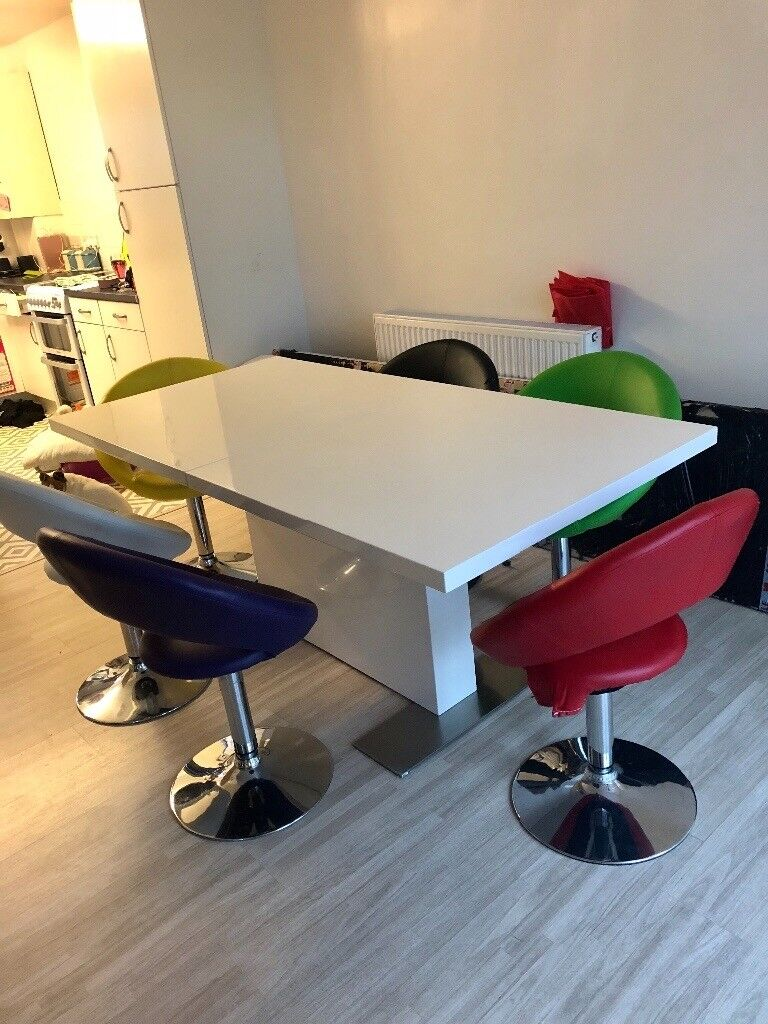 Astounding White Gloss Dining Table And 6 Multi Coloured Chairs In Newquay Cornwall Gumtree Creativecarmelina Interior Chair Design Creativecarmelinacom