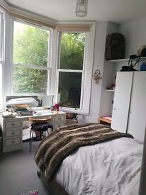 Great spacious 2 bed garden flat to rent in West Hampstead £700pp / m