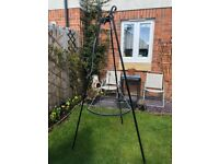BBQ Tripod 180cm + Grate 60cm, Black Steel Strong 11.5kg, Foldable, Great for Small - Medium Gardens