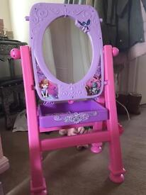 Sofia the first easel and mirror