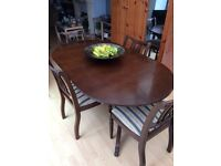 Extending dining table & 4 chairs - ideal for entertaining