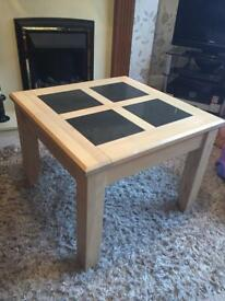 Coffee / lamp table