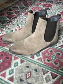 Designer beige and brown Chelsea boots