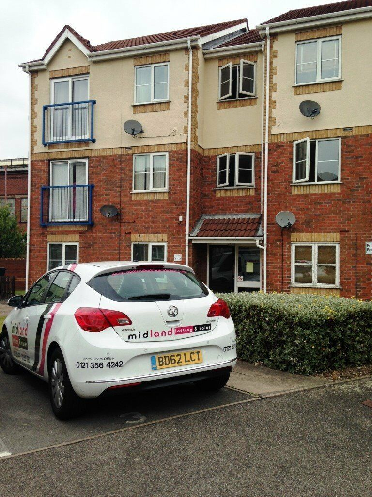 STUDENTS LOOKING FOR A 2 BED APARTMENT SHORT WALK TO ASTON UNI/BCU-CALL NOW-ALL NEW INSIDE-FURNISHED