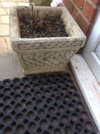 Matching solid stone lattice square pots