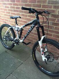 Kona stinky downhill bike + extras