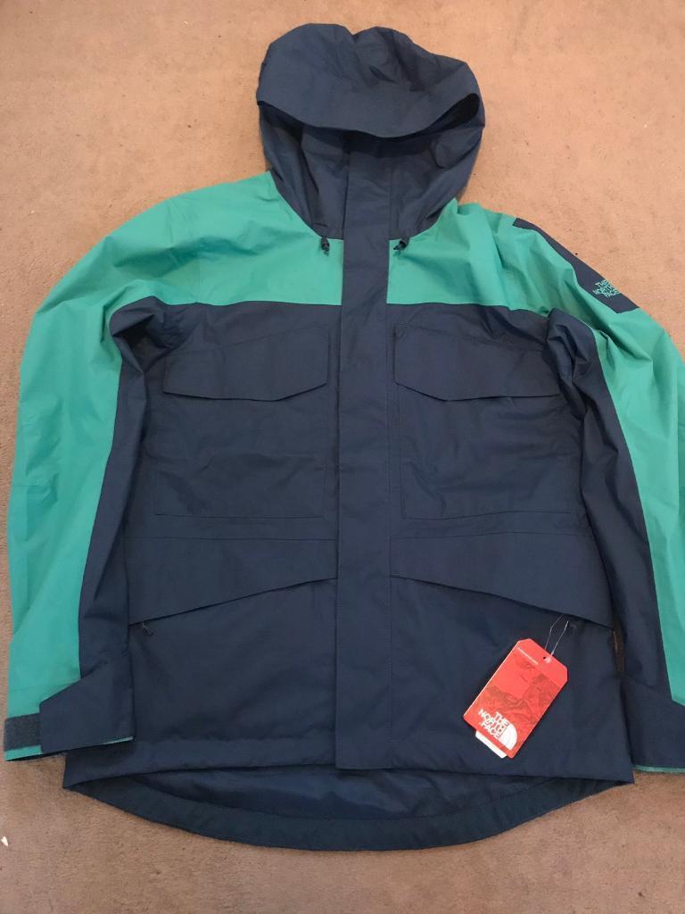 396204879954 The north face fantasy ridge rain jacket for sale. Medium