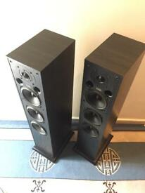 Acoustic energy top of the range speakers