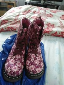 Shoes- wellies purpulle pink size 4