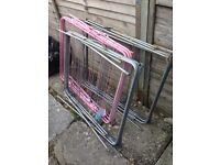 Free foldable clothes hanger