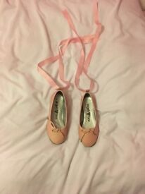 Angel face ballet style shoes with ribbon laces