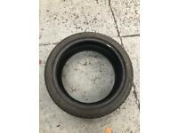 Tyre 265/40/21