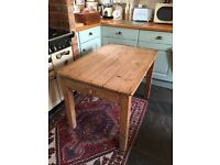 Pine table shabby chic 3 Panel Table with Draws,