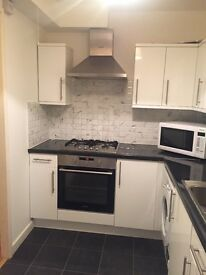 Freshly painted, One double bed flat in Colliers wood - Tooting (Zone 3). Available now.