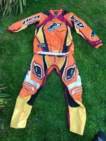 UFO plast outfit motocross