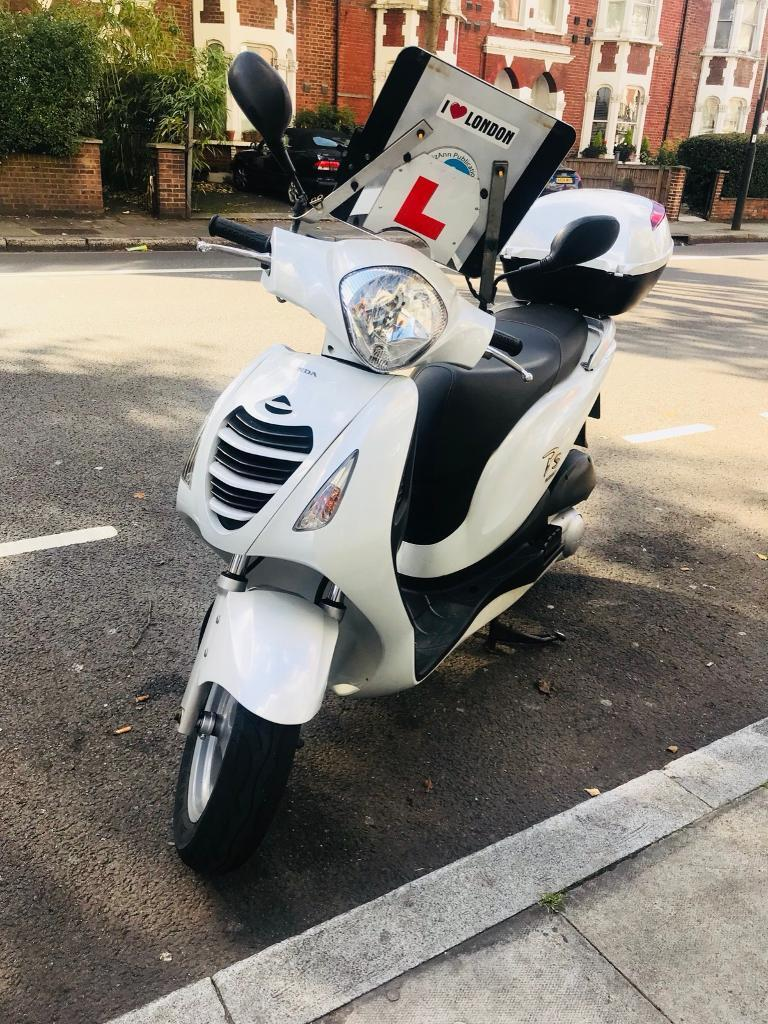 Honda ps 125(1 year mot)