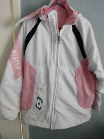 Girls Pink And White Ski Jacket Aged 13/14Yrs...In Excellent Condition