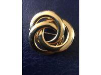 Italian 18ct gold brooch