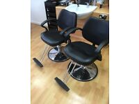 Hydraulic barber/styling chairs