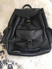 Grafea Actor Black Leather Backpack