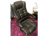 Massaging chair (no offers)