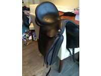 17.5 wide barnsby pro seat dressage saddle