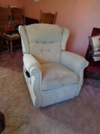 Riser / Recliner Armchair