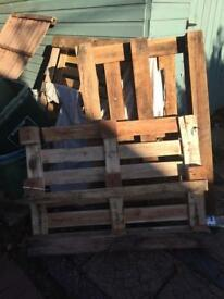 Free pallets in SY3