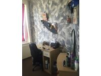 SINGLE AND DOUBLE ROOM (PLAISTOW)