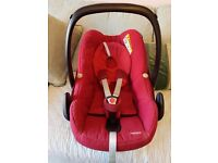 **MAXI COSI PEBBLE CAR SEAT group 1** EXCELLENT CONDITION IN RASPBERRY RED TOP SAFETY FEATURES