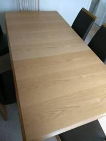 Oak extending dinning table