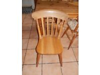 4 Traditional Oak Kitchen Chairs and Pine Table