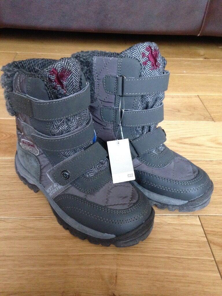 14d214a572c5 Brand new Next boys boots