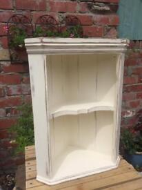 **👍ATTRACTIVE PINE CORNER UNIT - chalk, wax and distressed - antique white - storage- display 👍**